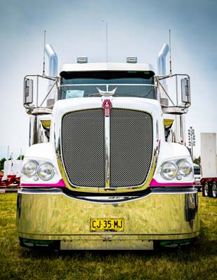 Bathurst Truck Show – brought to you by Gilbert & Roach